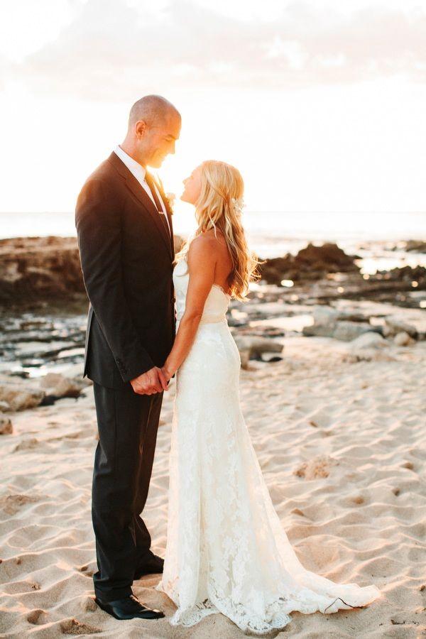 beautifully detailed hawaii wedding