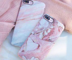 """Genteeeee, olhem que lindas essas capinhas para IPhone 7 Plus!!! (Não sei se tem para o 6) Lindas, parece de mármore (com certeza, não é pesado como mármore... kkkkkk) Uma mais linda que a outra... Olhem mais o painel que aqui no """"Moda e Beleza"""" (de Ana Paula Pizolati) vai ter muitas capinhas lindasss!!!"""