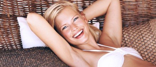 Achseln richtig rasieren: Mit diesen 8 Tipps vermeidest du Rasurbrand