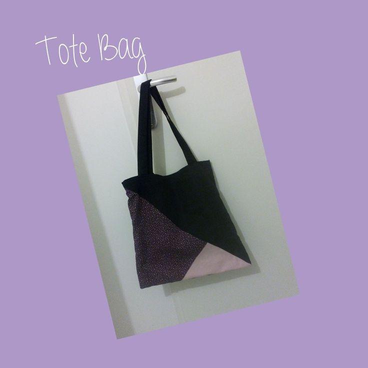 Tuto ici : http://www.tadaam.fr/2014/07/diy-tuto-tote-bag-triangles.html?m=1