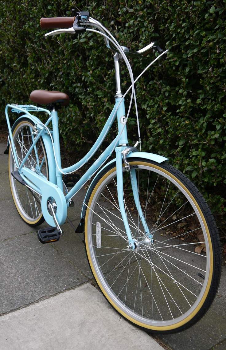 We are now stocking the gorgeous #Bobbin Birdie bicycles. This one is a lovely pale blue colour. #bobbinbicycle #leisurelakesbikes