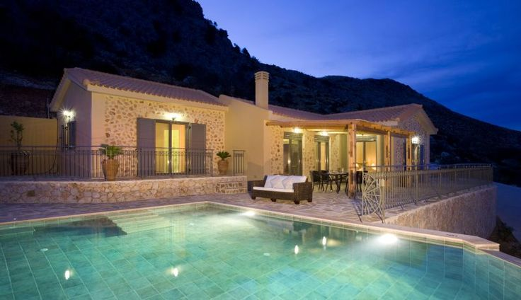 Villa Aethera is a bright, spacious stone-clad cottage, perched on the shoulder of the mountain above the resort of Skala with superb panoramic sea views over the Ionian.