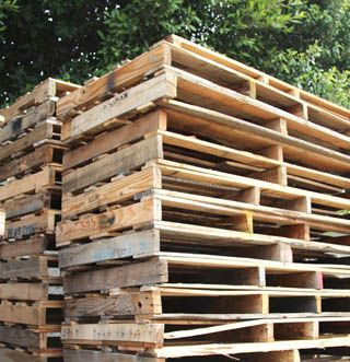 All About Pallets! Loads of tips - where to find pallets, how to select & take apart pallets, working with pallets, and project ideas!