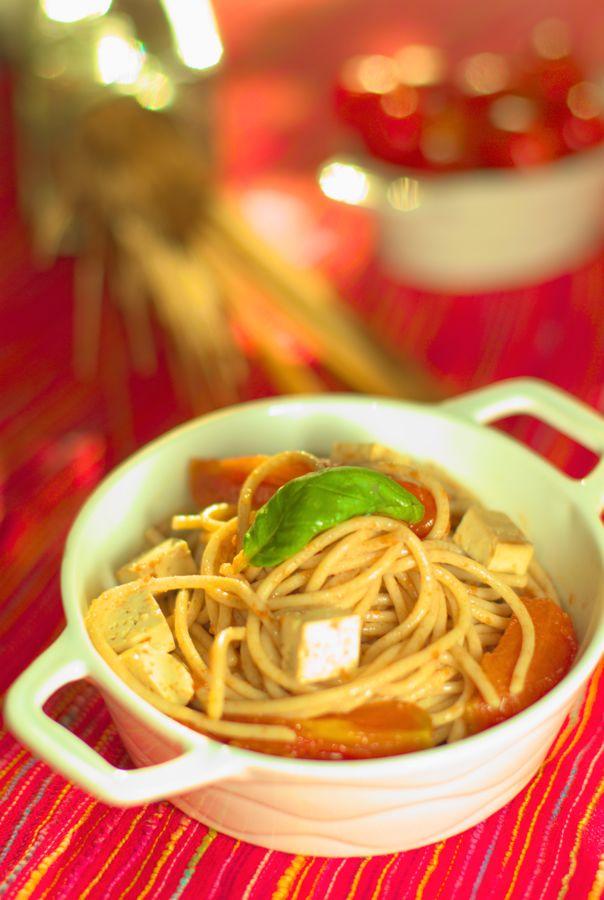 Pardicsomos-tofus tésztasaláta - laktózmentes recept