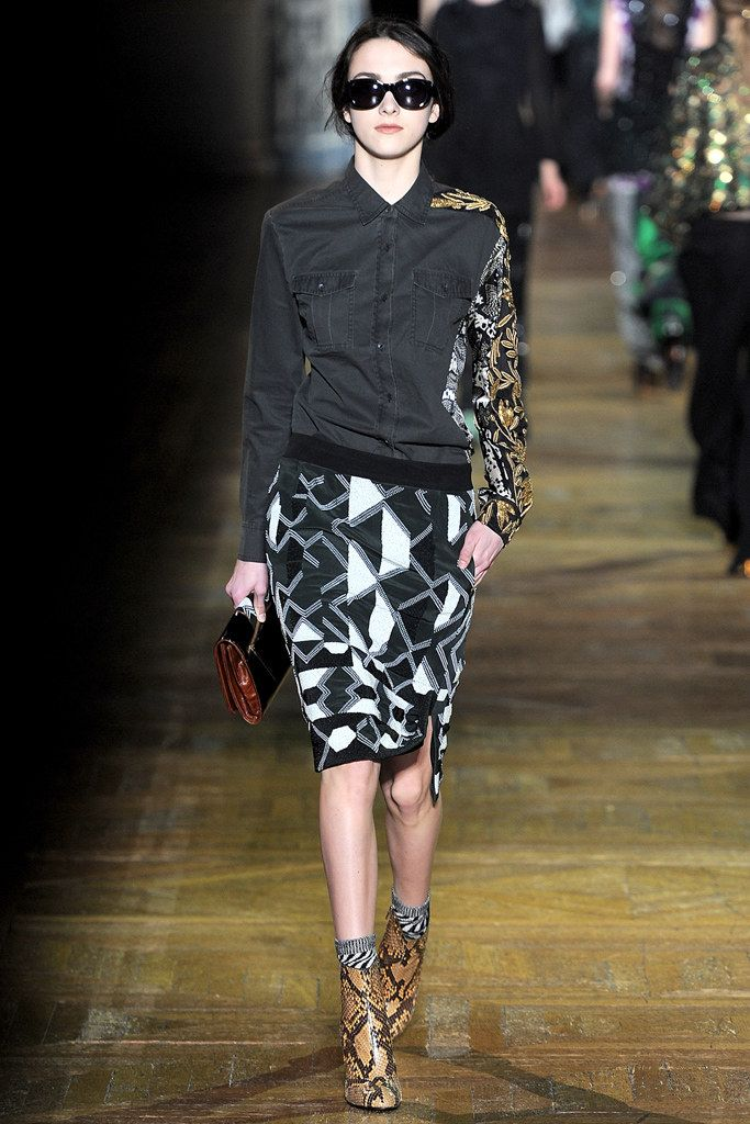 Dries Van Noten Fall 2011 Ready-to-Wear Fashion Show - Lissa (JILL)