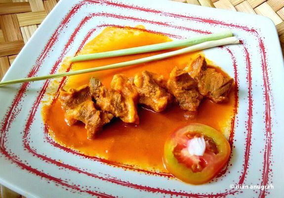 DAGING SAMPADEH UDA DIAN by Dian Anugrah. Very tender meat in reddish hot and sour spice blend.