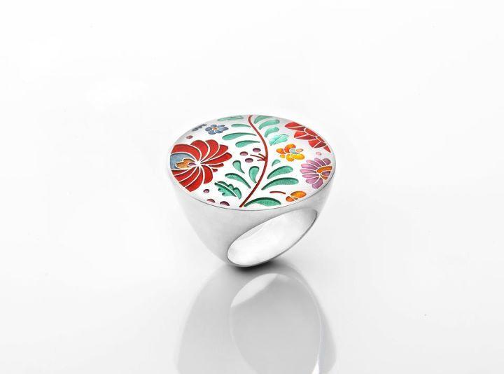 Ring design by Klara Abaffy