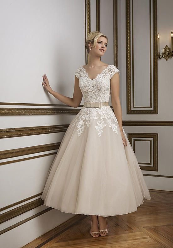 1950's vintage inspired V-neckline tulle tea length ball gown | Justin Alexander | https://www.theknot.com/fashion/8815-justin-alexander-wedding-dress