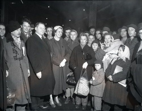 Arrival of Hungarian refugees (1956). #refugees #cdnhistory