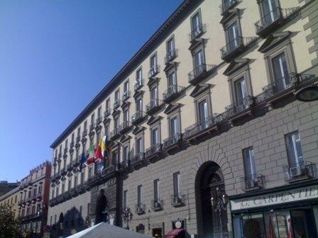 Pignoramento per 125 milioni al Comune di Napoli. De Magistris: Conti e stipendi non sono a rischio