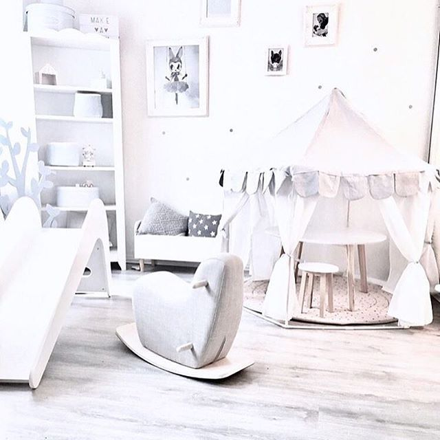 Look at that tent!!! 🙌 by @mit_herz_und_verstand #love #boysroom #gutterom #girlsroom #jenterom #interiør #inspo #barnerom #barneinteriør #barneinspo #barneromsinteriør #gravid #nyfødt #newborn #babyroom #barsel #mammaperm #mammalivet #småbarnsliv #interior #kidsinspo #kidsinterior #kidsdecor #nursery #nurserydecor #barnrum