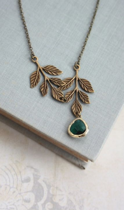Emerald Green Glass and Leaves Branch Necklace