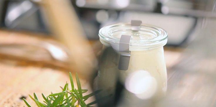 Domácí tělové mléko ze včelího vosku — Recepty — Herbář — Česká televize