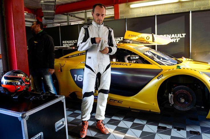 Wielki powrót Kubicy, trzecie miejsce w Belgii https://www.moj-samochod.pl/Sporty-motoryzacyjne/Wielki-powrot-Roberta-Kubicy-na-torze-w-Spa #Kubica #Spafrancorchamps #RS01Trophy #RS01 #RenaultSportTrophy