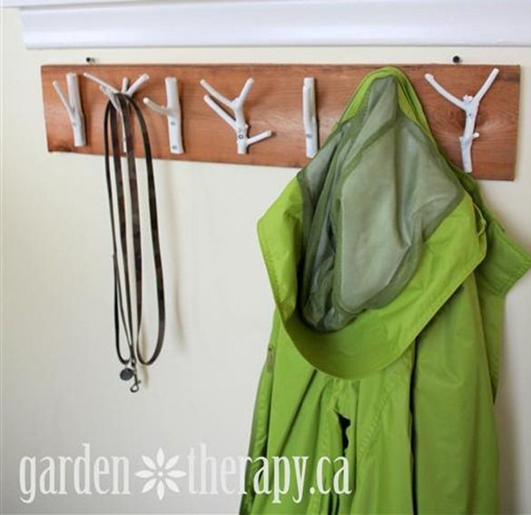 DIY-Branch-Hooks-Tutorial: Coats Hooks, Weekend Projects, Branches Coats, Coats Racks, Front Doors, Coats Hangers, Branches Hooks, Coat Racks, Diy Branches