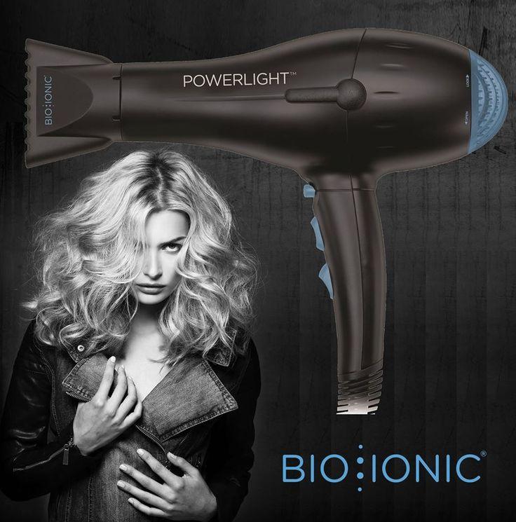 E' potente e veloce, ma è anche delicato e idratante sui capelli grazie alle perle di 32 minerali fuse nel suo telaio… E' uno strumento leggerissimo, a risparmio energetico e svolge un'azione anticrespo e antibatterica sui capelli (e anche sugli abiti)… E' il top di gamma fra gli strumenti professionali per i saloni… E' prodotto da Bio Ionic e si chiama: phon PowerLight!