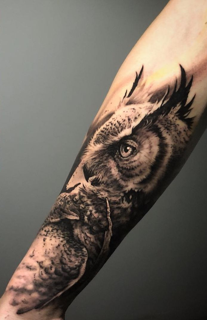 50 Of The Most Beautiful Owl Tattoo Designs And Their Meaning For The Nocturnal Animal In You Owl Tattoo Design Realistic Owl Tattoo Owl Tattoo