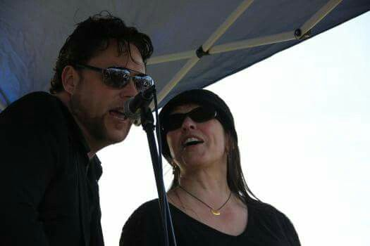 "Drewin & Cindy Cash (daughter of Johnny Cash) singing ""Daddy Sang Bass"""