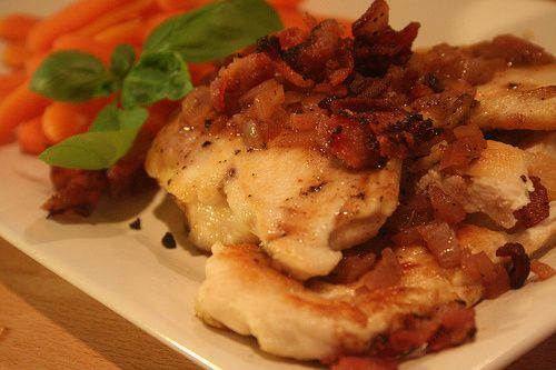 Fast, easy, healthy: Chicken with bacon & sherry-vinegar sauce