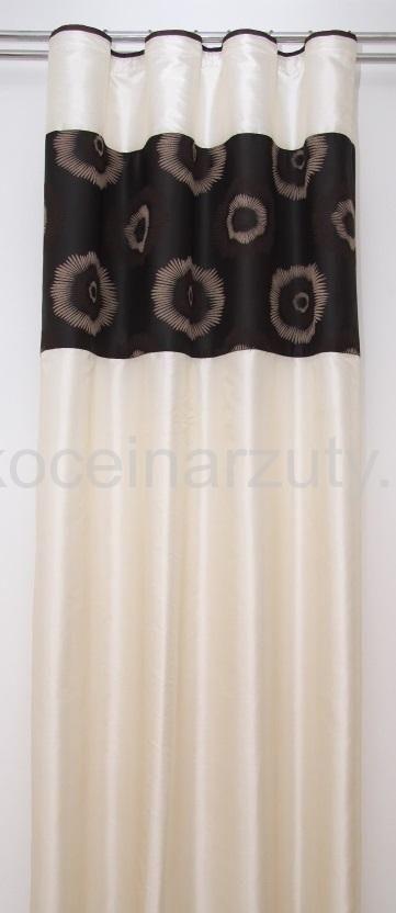 Zasłona koloru beżowego do sypialni z czarnym pasem