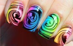Diseños de uñas con agua o marmoleado, diseño de uñas con agua.  Follow! #diseñouñas #nailsdesign #uñassencillas
