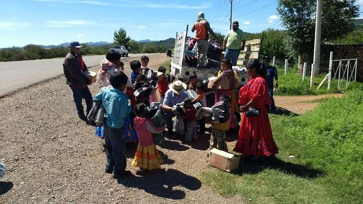 Funcionarios de Santa Bárbara llevan apoyos a Guadalupe y Calvo