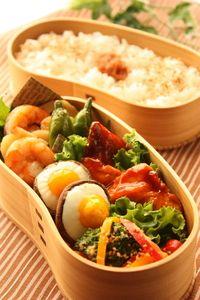 お花見団子風三色おにぎり弁当 : Linmal's Kitchen ~金沢の旬の味と毎日のお弁当