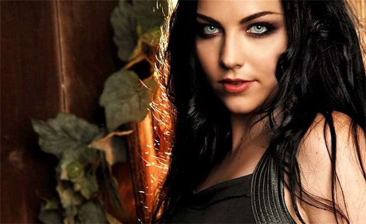 http://kittythedreamer.hubpages.com/hub/Top-Ten-List-of-the-Best-Female-Goth-Musicians
