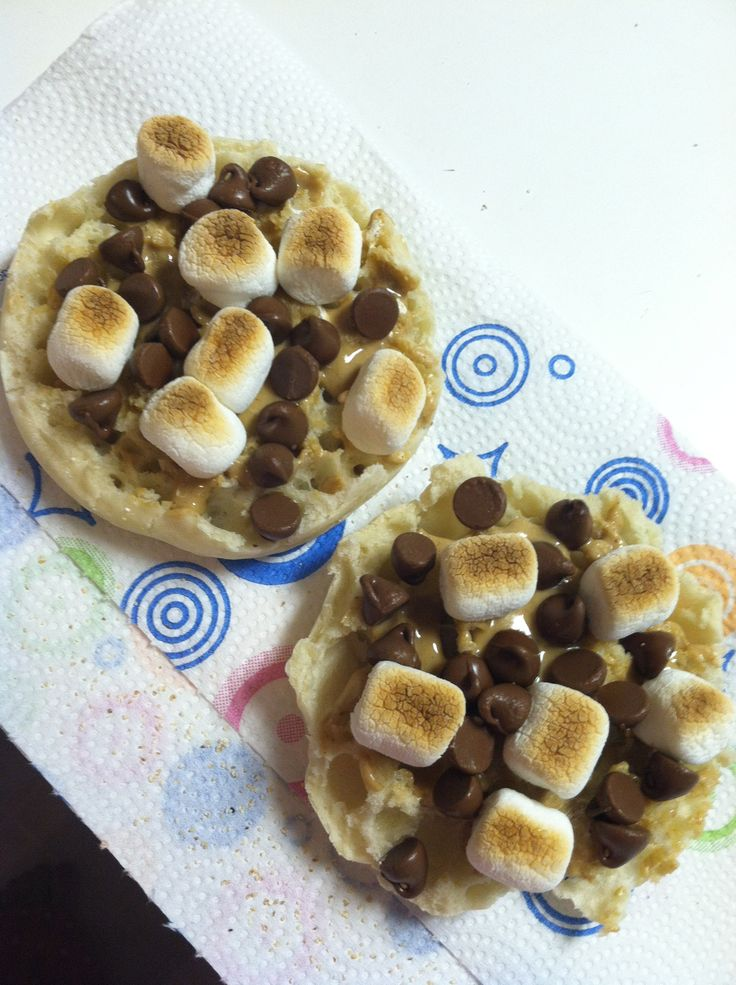English Muffin S'mores-peanut butter, mini-marshmallows & chocolate ...