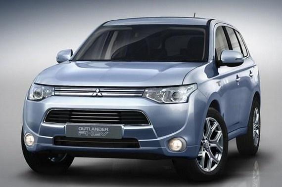 Mitsubishi merge cu Outlander PHEV la Paris => http://www.siteauto.ro/stiri/mitsubishi-merge-cu-outlander-phev-la-paris