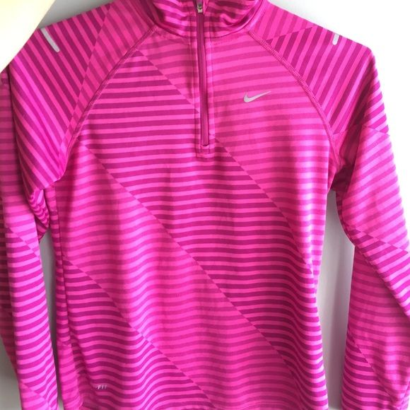 17 best ideas about nike pullover on pinterest nike sweatshirts nike clothes and nike. Black Bedroom Furniture Sets. Home Design Ideas