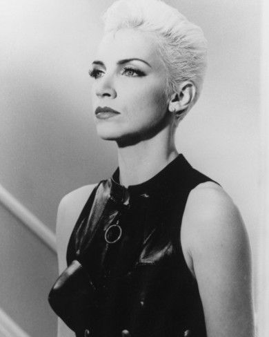 Annie Lennox — always loved her style. (not going to do this NOW ... obviously).
