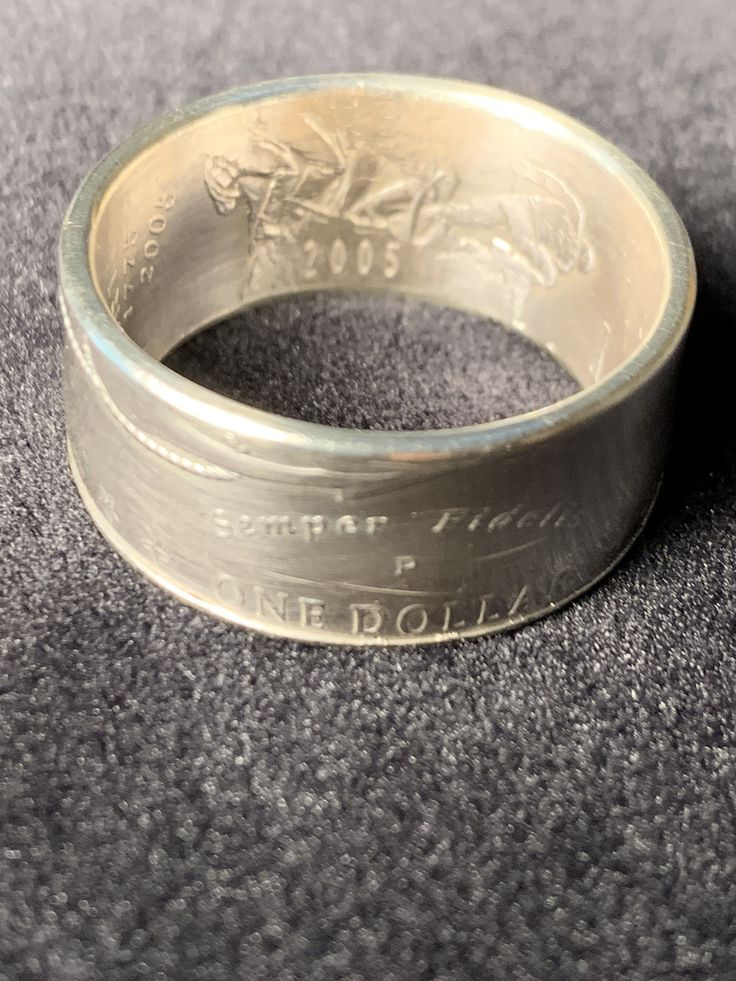 2005 Marine Corps 230th anniversary coin ring. Size 11 is