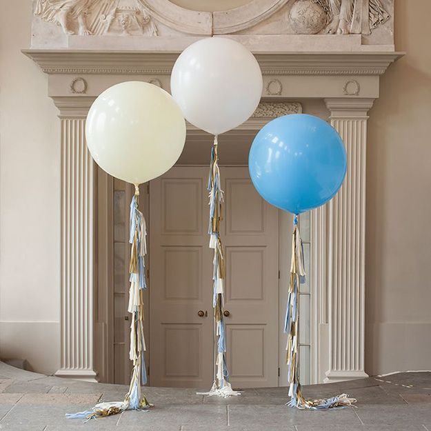 """20 alternatives to the traditional """"something blue"""" - Giant blue balloon 
