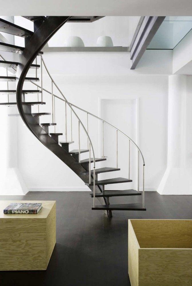 28 Old Fulton Street | Nandinee Phookan Architects | Escada para espaços pequenos