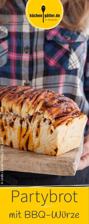 Dieses vegane Brot ist leicht zu portionieren, schmeckt toll, denn der Dip ist schon mitgebacken.