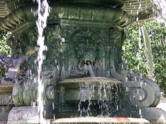 La fontaine Bernard. Bourg-en-Bresse. Ain