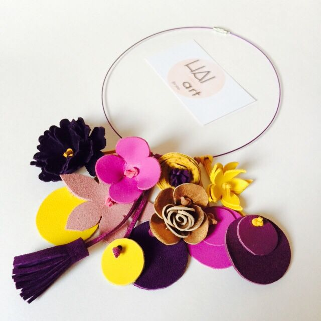 Leather flowers necklace by #HAIART