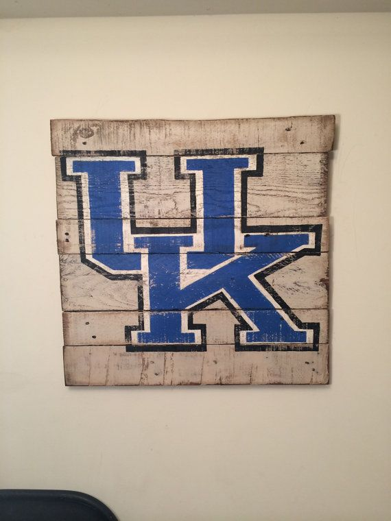 University of Kentucky Wall Hanging by PalletsandPaint on Etsy