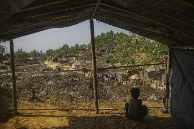 Berita Islam ! Bangladesh Akan Bebaskan 2.000 Hektar Lahan untuk Pengungsi Rohingya... Bantu Share ! http://ift.tt/2w4qole Bangladesh Akan Bebaskan 2.000 Hektar Lahan untuk Pengungsi Rohingya  Coxs Bazar  Pemerintah Bangladesh berencana untuk membebaskan sebuah lahan sebagai kamp atau tempat penampungan baru bagi pengungsi Rohingya. Sheikh Hasina selaku perdana menteri mengatakan 2.000 hektar lahan yang dibebaskan berada di dekat kamp Kampakalong. (Lahan ini) untuk membangun tempat…