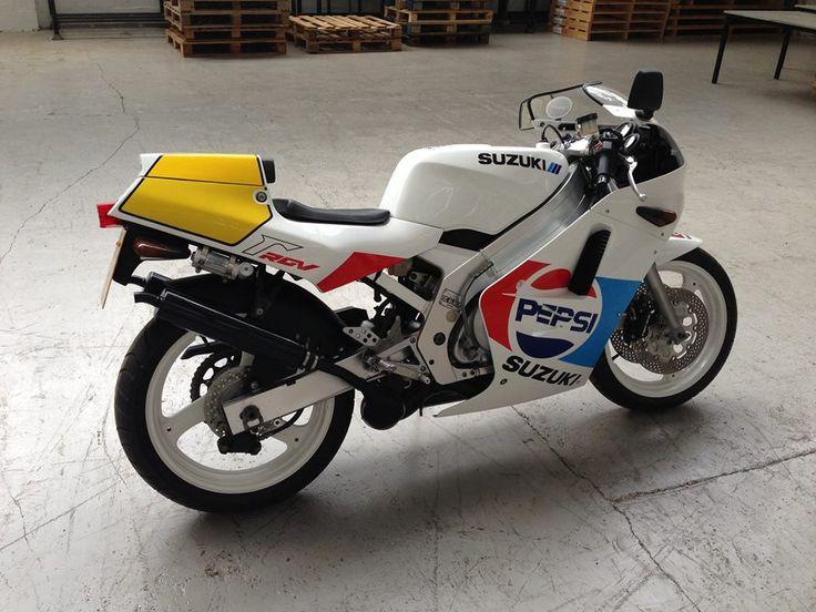 Suzuki Rgv 250 G Pepsi Edition Suzuki Retro Motorcycle Racing Bikes