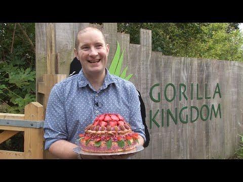 Great British Bake Off's Richard bakes vegan birthday cake for London Zoo Gorilla Zaire - YouTube