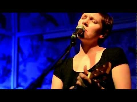 Allo Darlin' crowd-sourced video from the Deaf Institute