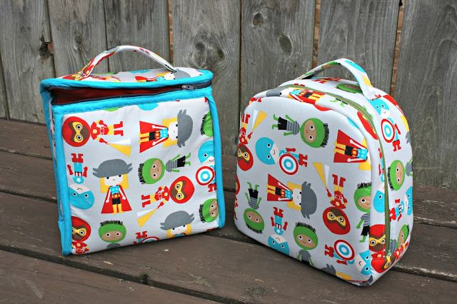 A multi-style sewing pattern by Sew Sweetness for this set of insulated lunch bags. Suitable for both children & adults, they are the right size to fit a sandwich, snacks, and a drink.
