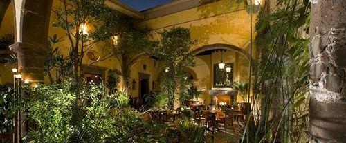 Outdoor dining at Hotel Belmond Casa de Sierra Nevada, San Miguel de Allende, Mexico