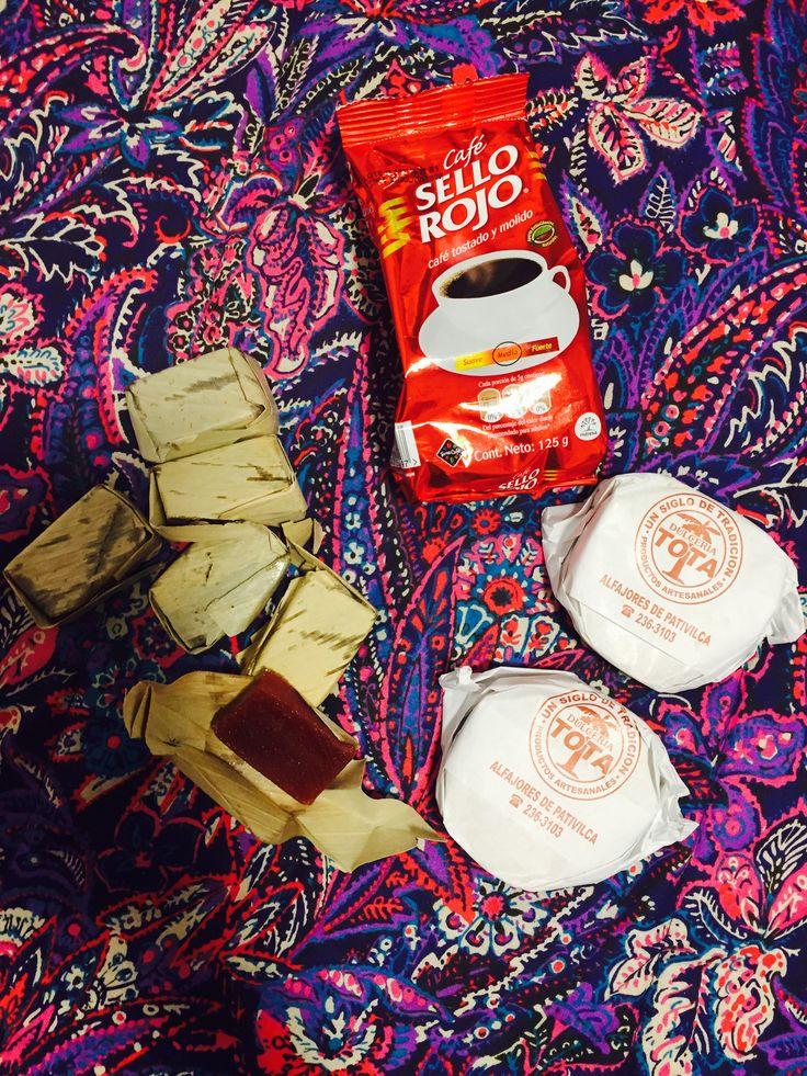 Regalosss Alfajores peruanos Veleños y café sello rojo colombianos deliii deli