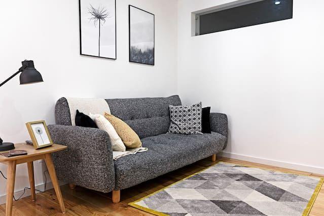 Cozy Airbnb Apartment in Santa Catarina - Lisbon, Portugal
