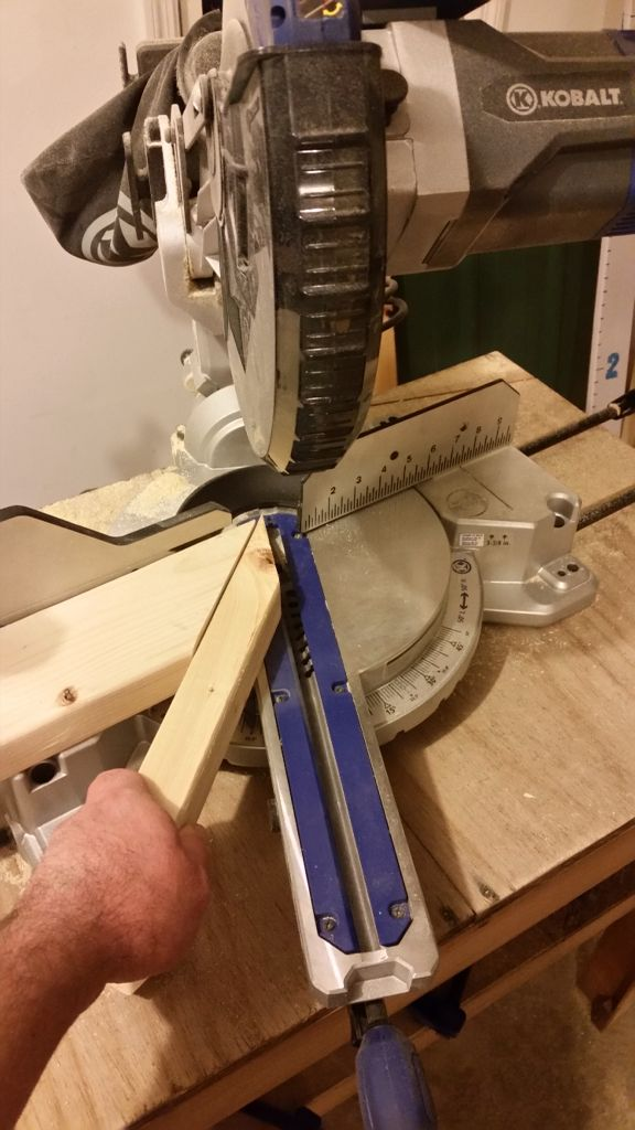 how to cut angles without a miter saw