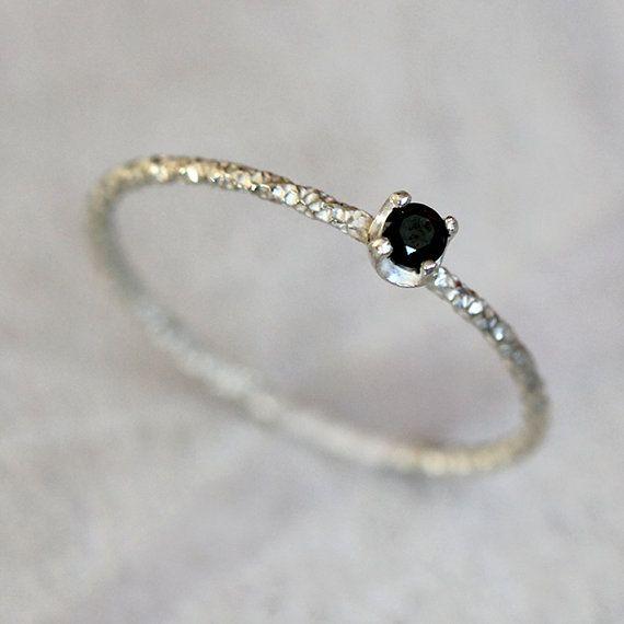 Anillo de diamante negro por PraxisJewelry en Etsy
