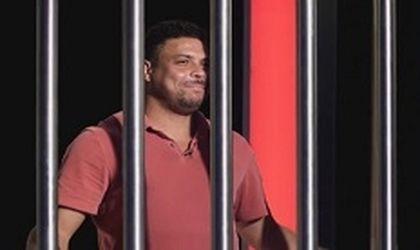 Poker goes football legend Ronaldo behind bars…